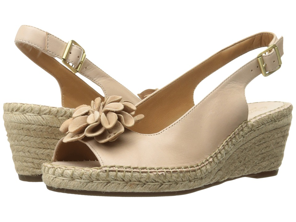 Clarks - Petrina Bianca (Nude Leather) Women's Sandals