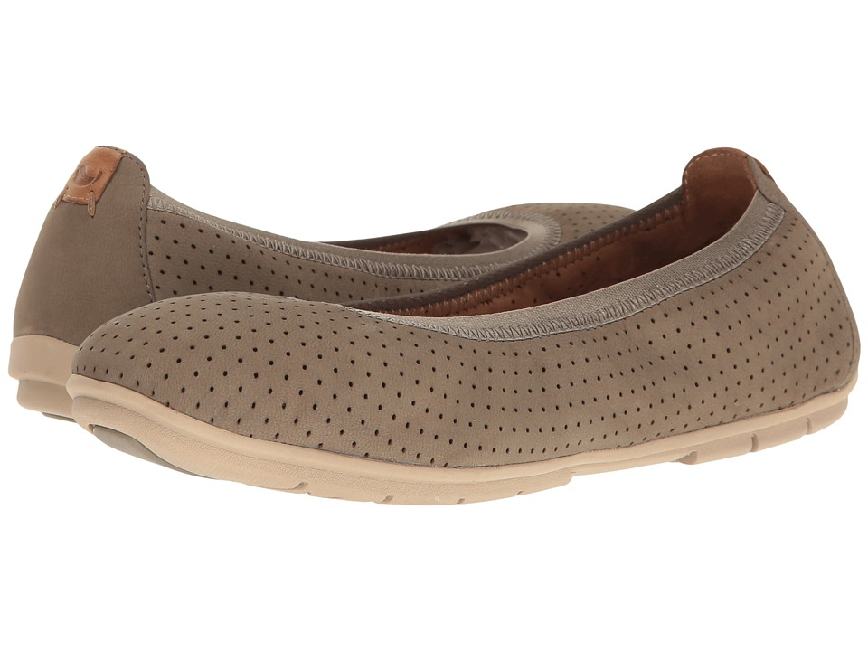 Clarks - Un Tract (Sage Nubuck) Women's Shoes