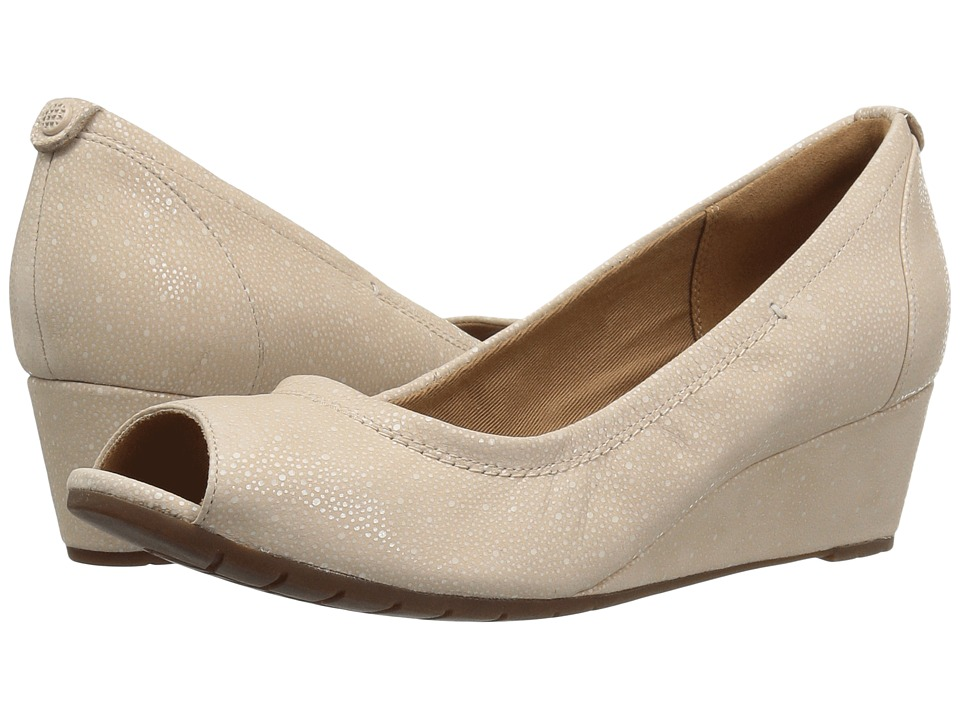 Clarks - Vendra Daisy (Nude Interest Nubuck) Women's Shoes