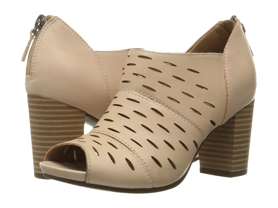 Clarks Banoy Takala (Nude Leather) Women