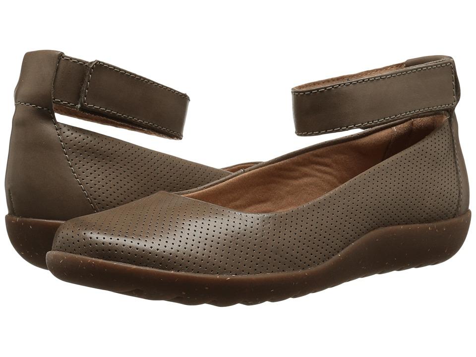 Clarks - Medora Nina (Sage Leather) Women's Shoes