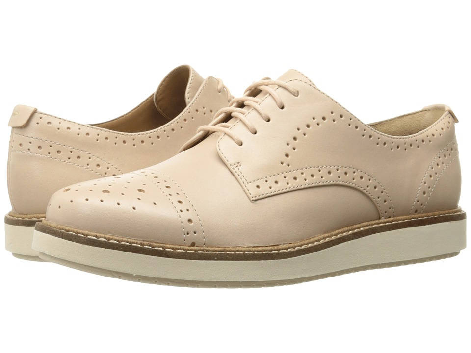 Clarks - Glick Shine (Nude Leather) Women's Shoes