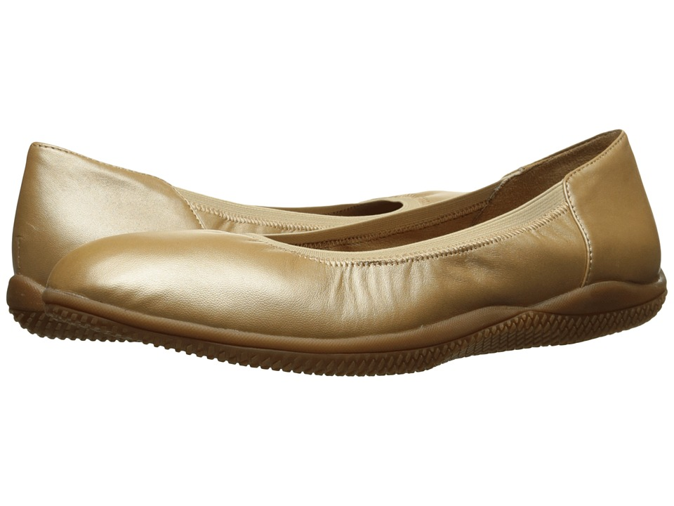 SoftWalk - Hampshire (Gold Wash) Women's Flat Shoes