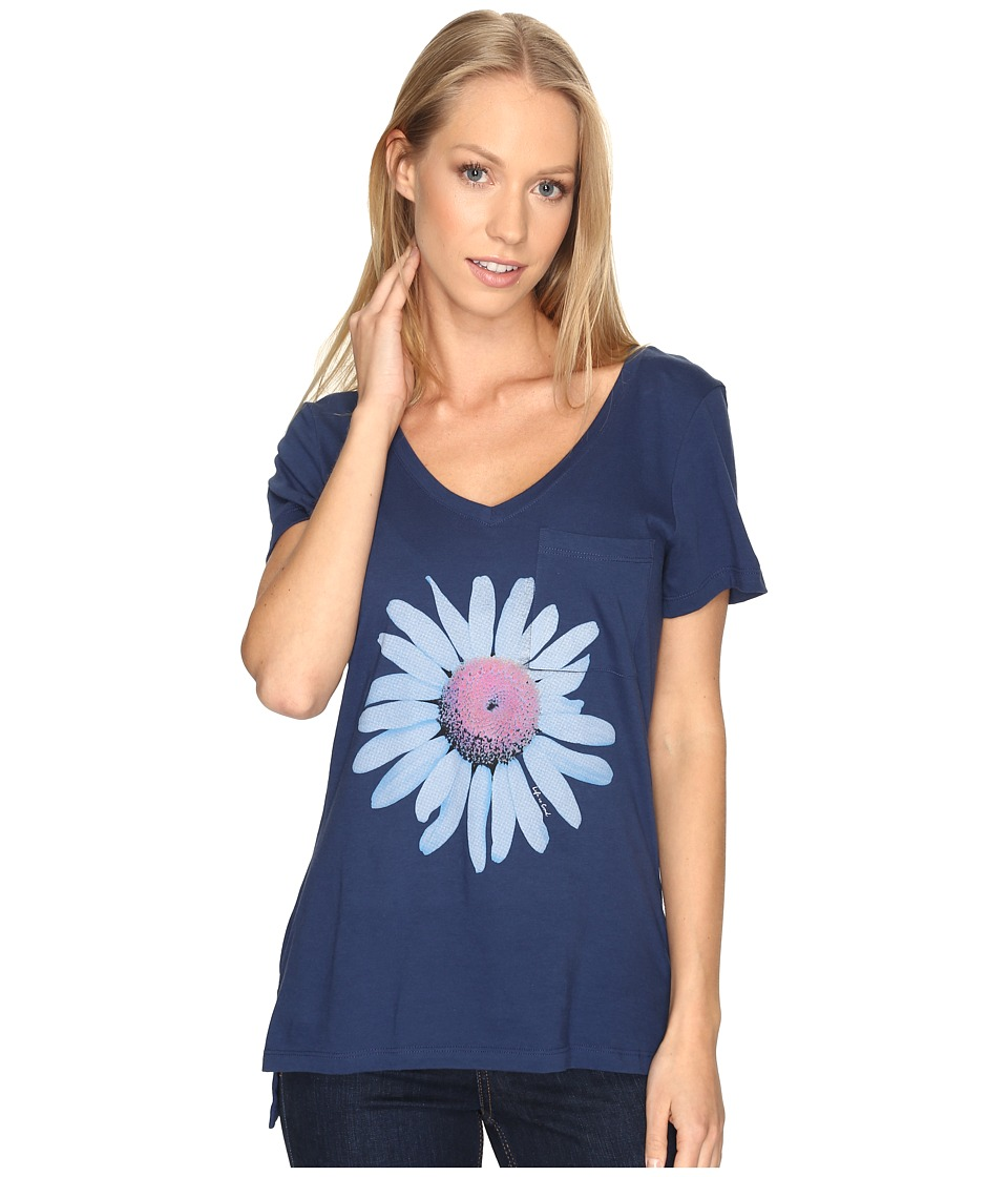 Life is Good - Daisy Pocket Vibe Tee (Darkest Blue) Women's T Shirt