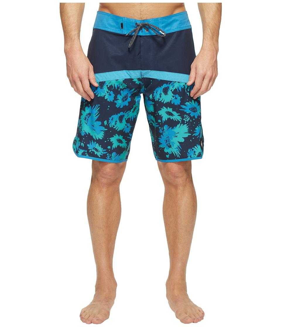 Quiksilver - Crypt Scallop 20 Boardshorts (Navy Blazer) Men's Swimwear