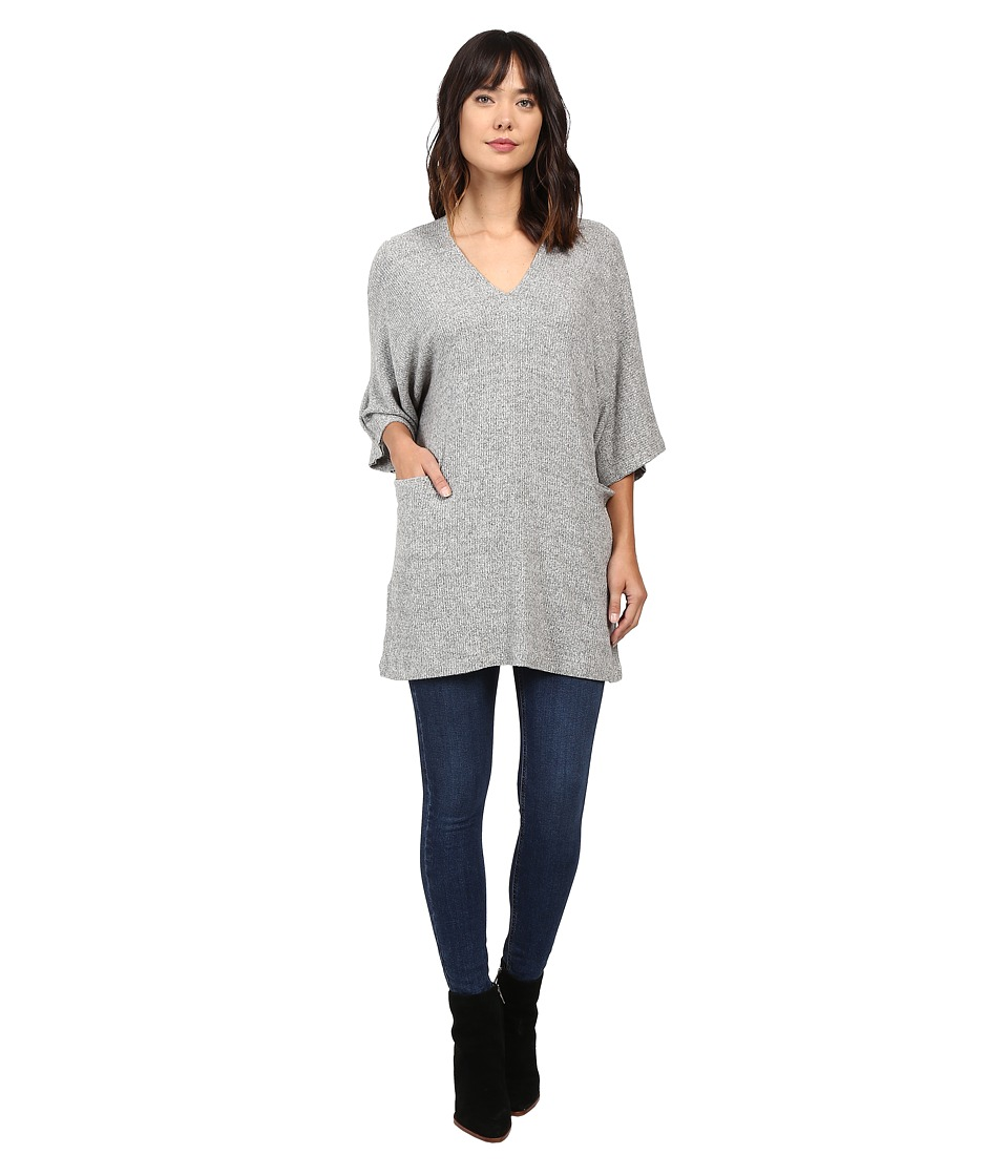 Culture Phit - Mina V-Neck Short Sleeve Top with Pockets (Heather Grey) Women's Dress