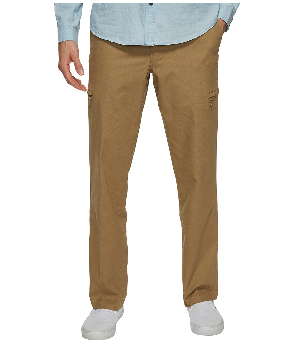 Dockers - Standard Utility Cargo Pants (British Khaki) Men's Casual Pants