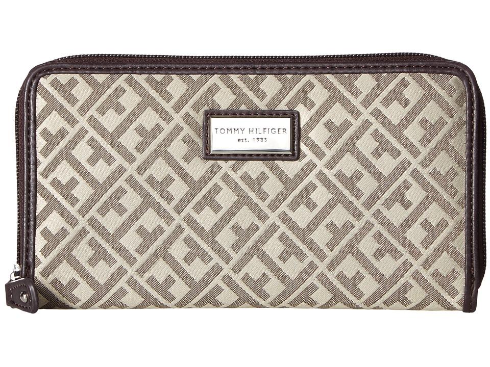 Tommy Hilfiger - Core Wallets Zip Around Signature (Tan/Dark Chocolate) Wallet Handbags