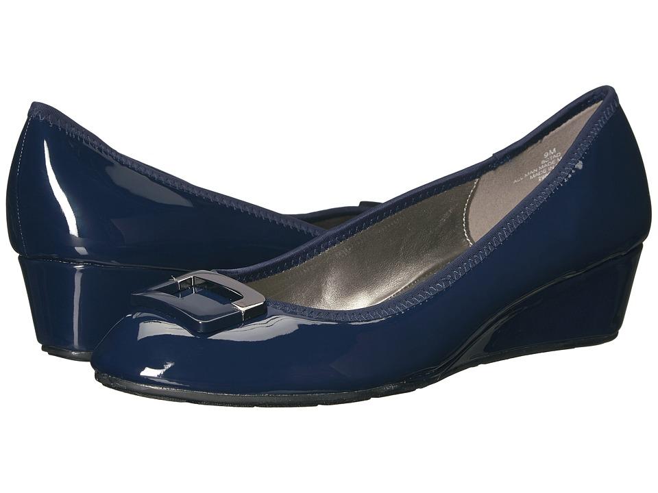 Bandolino Tad (Navy Super Soft Patent Pu) Women
