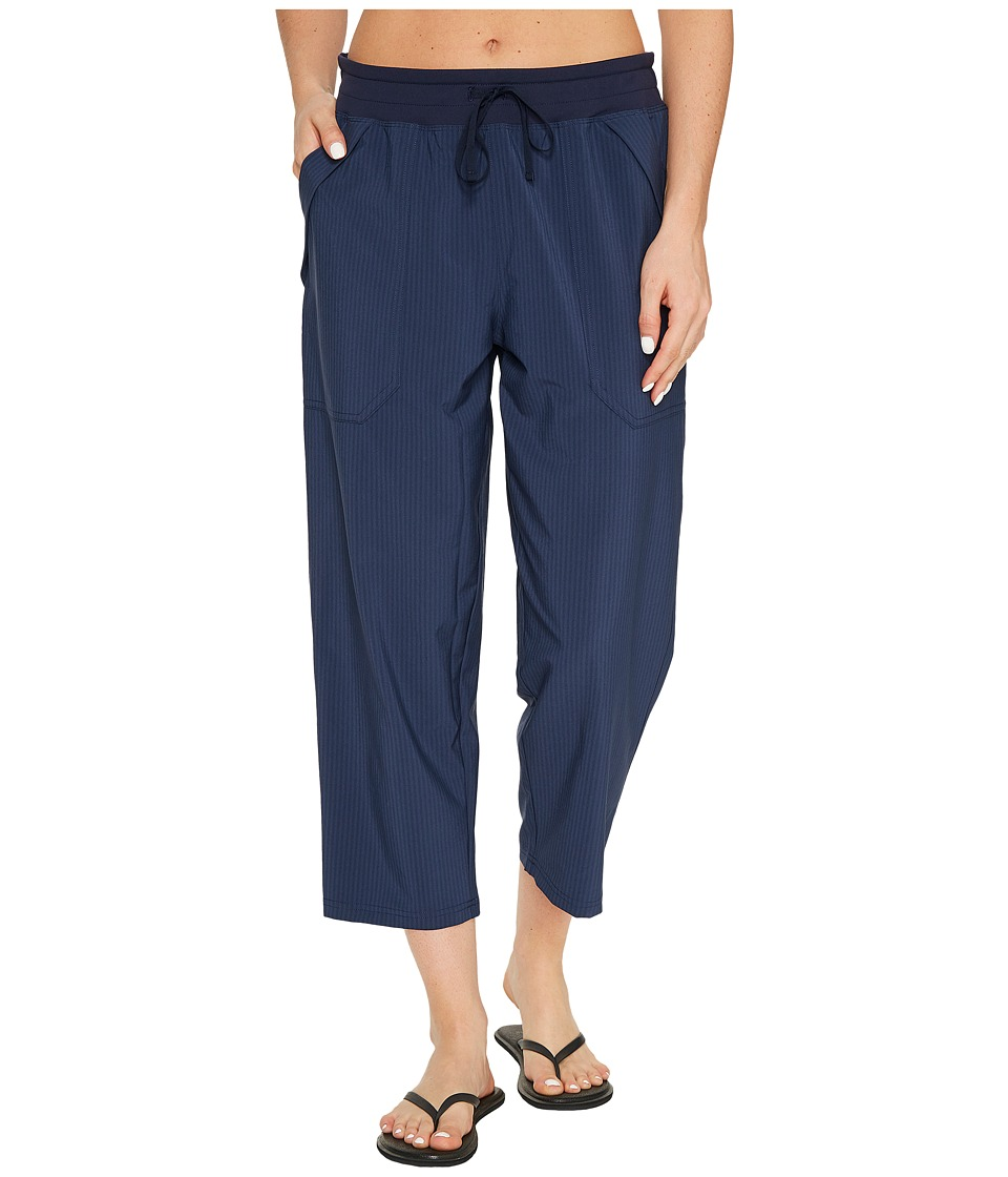 Lucy Wonder Away Capris (Lucy Navy Heather Stripe) Women