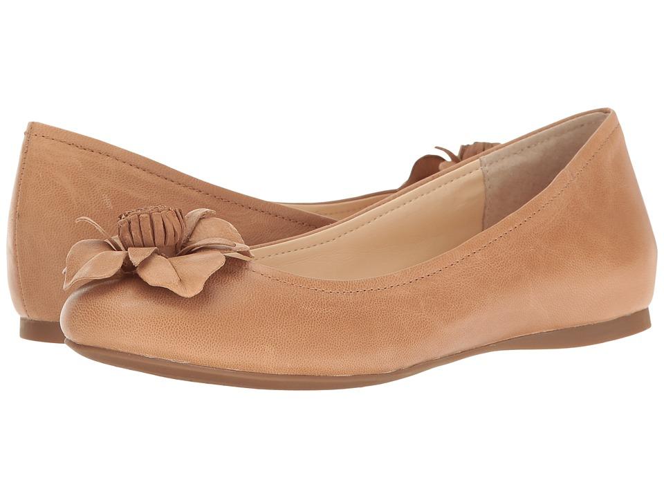 Jessica Simpson - Mindella (Buff) Women's Shoes