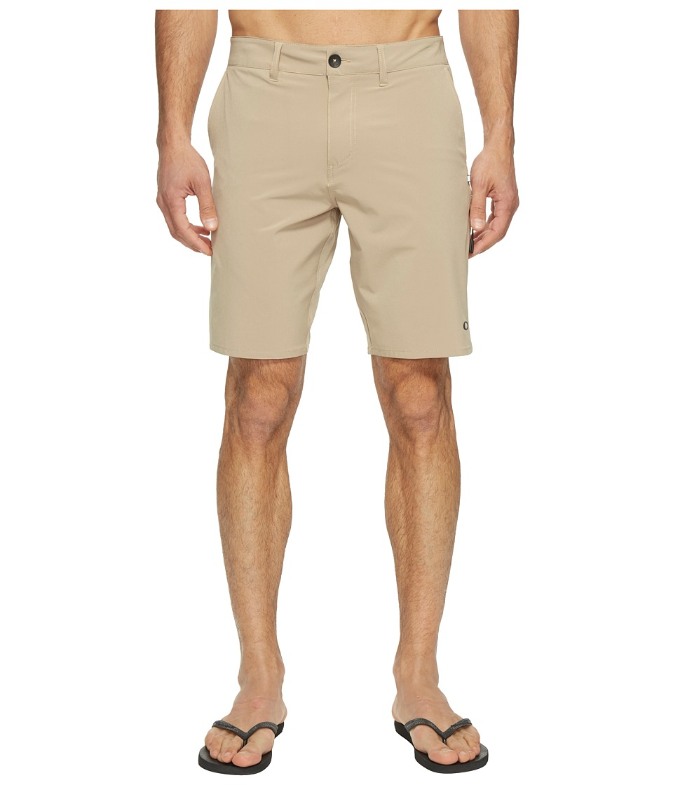 Oakley - Icon Chino Hybrid Shorts (Rye) Men's Shorts