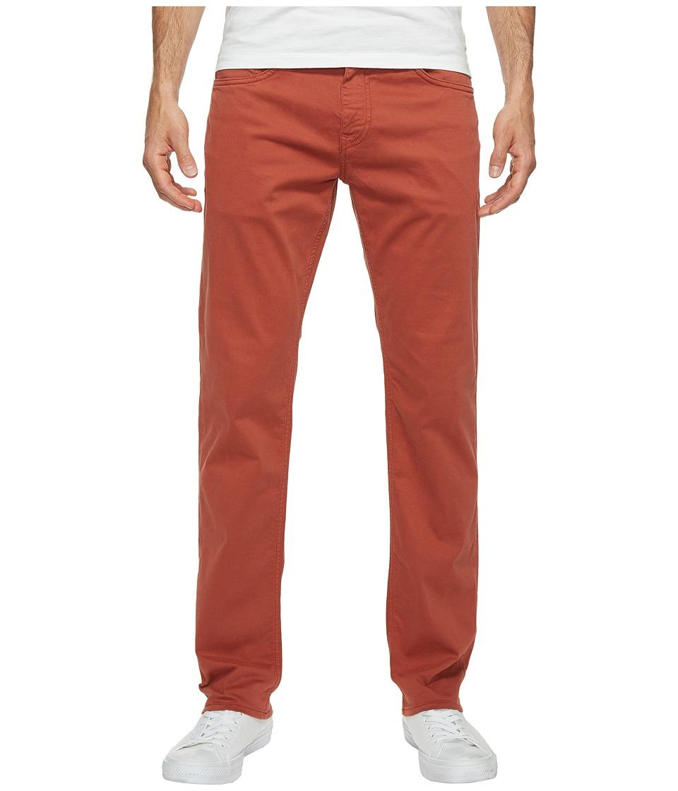 Mavi Jeans - Zach Regular Rise Straight Leg Twill in Brick Red Twill (Brick Red Twill) Men's Jeans