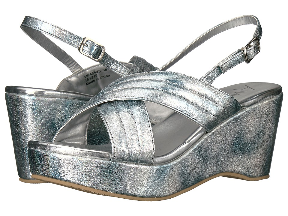 Amiana 15-A5443 (Little Kid/Big Kid/Adult) (Silver Aura Metallic) Girl