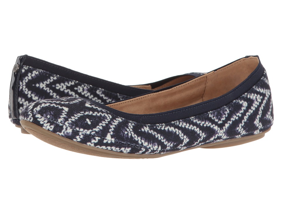 Bandolino Edition (Tribal Print Blue Tribal Print Canvas/Super Soft Patent Syntheti) Women