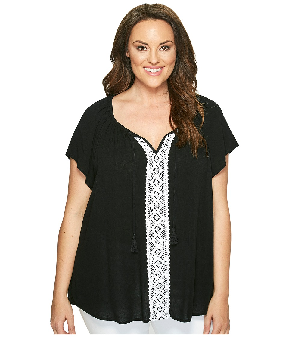 Karen Kane Plus - Plus Size Lace Trim Raglan Sleeve Top (Black/White) Women's Short Sleeve Pullover