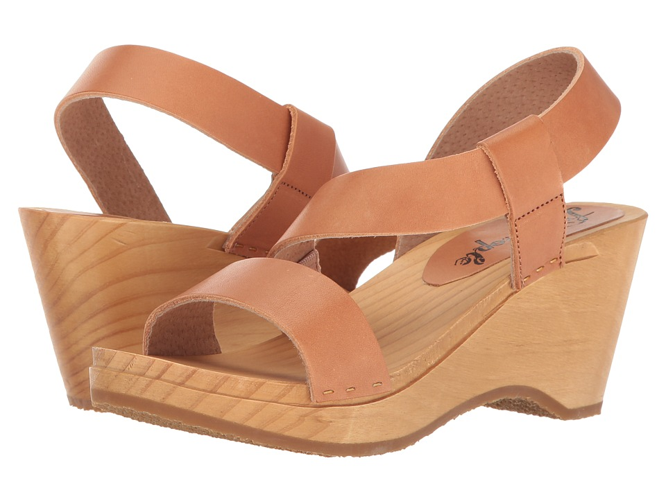 Free People - Dune Beach Clog (Taupe) Women's Clog Shoes