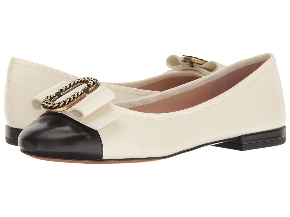 Marc Jacobs Interlock Round Toe Ballerina (Ivory/Black) Women