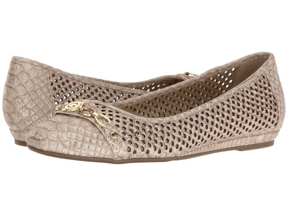 G by GUESS - Feebe (Natural) Women's Flat Shoes
