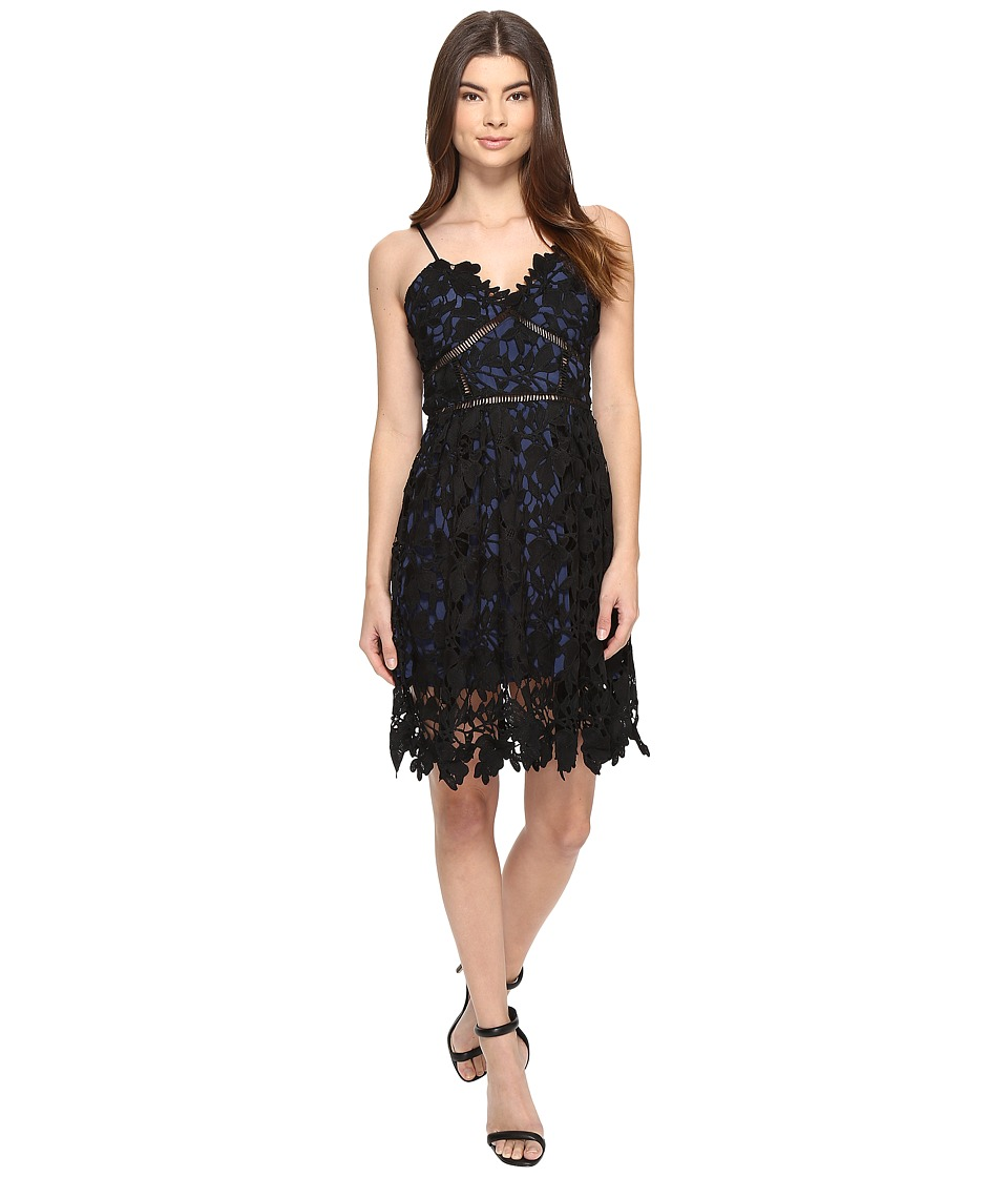 ROMEO & JULIET COUTURE - Sleeveless Strap Lace Mini Dress (Midnight Blue) Women's Dress