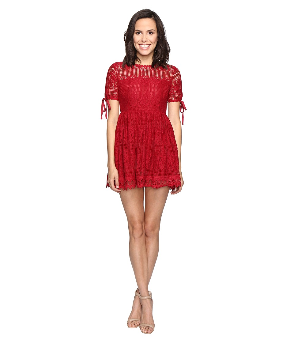 ROMEO & JULIET COUTURE Short Sleeve Lace Woven Dress (Red) Women
