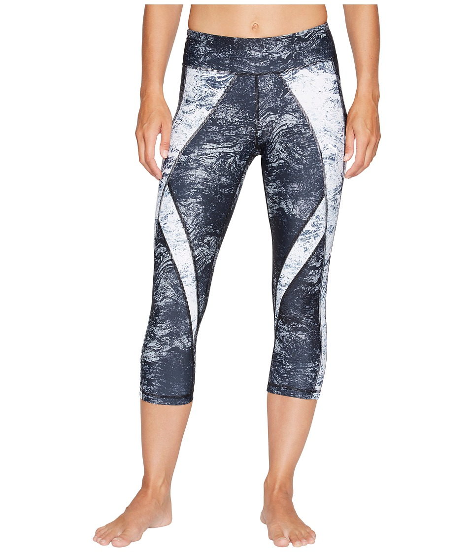 PUMA - Explosive 3/4 Tights (Puma Black/Periscope/Black White Nature Print) Women's Capri