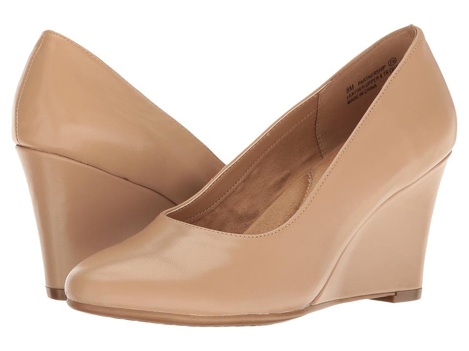 Aerosoles - Partnership (Light Tan Leather) Women's Slip on Shoes