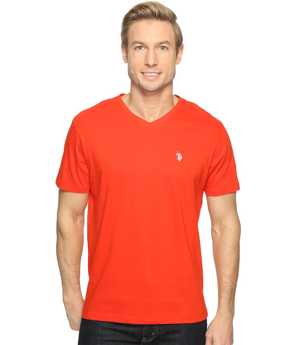 U.S. POLO ASSN. - Short Sleeve Solid V-Neck T-Shirt (Crimson Fire) Men's Short Sleeve Pullover