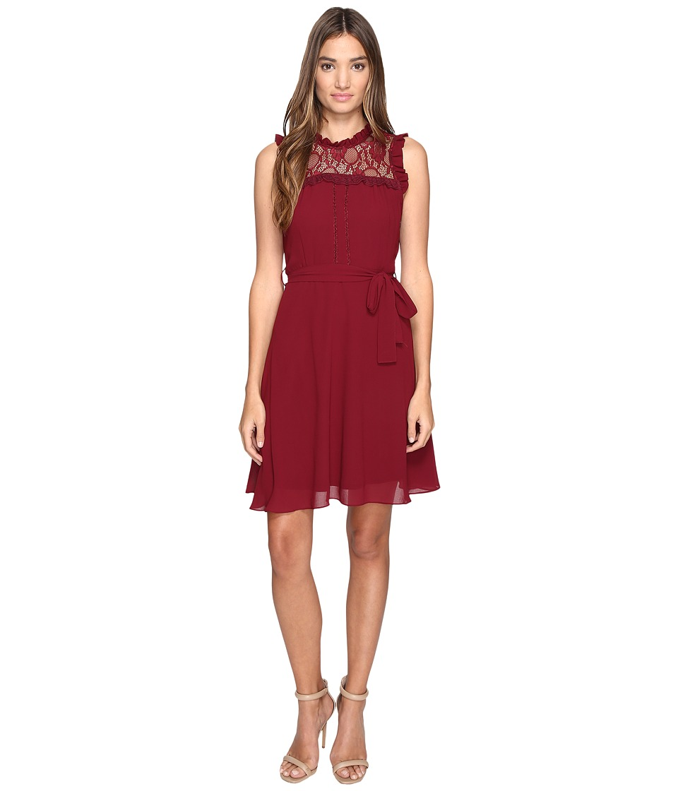 ROMEO & JULIET COUTURE - Sleeveless Lace Yoke Dress (Burgundy) Women's Dress