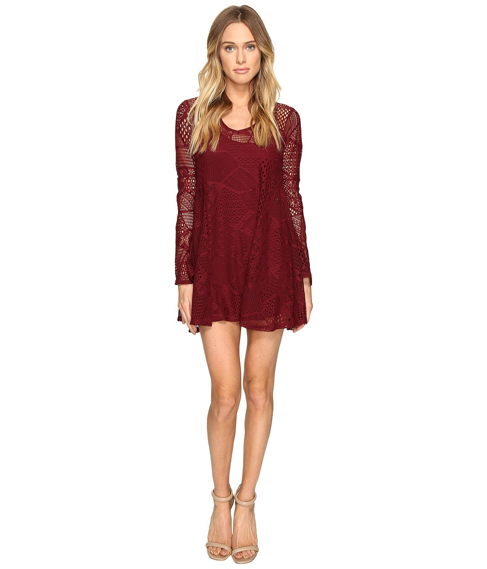 ROMEO & JULIET COUTURE - Long Sleeve Short Lace Dress (Burgundy) Women's Dress