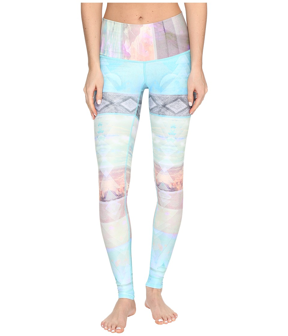 teeki - Tarot Magick Hot Pants (Multi Pastel) Women's Casual Pants