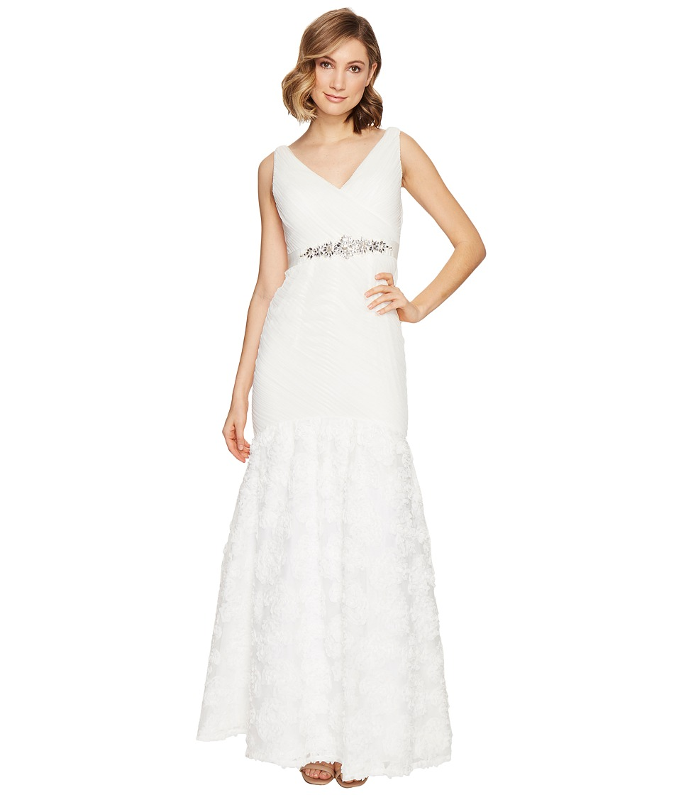 Adrianna Papell - Sleeveless Tulle Chiffon Petal Gown (Ivory) Women's Dress