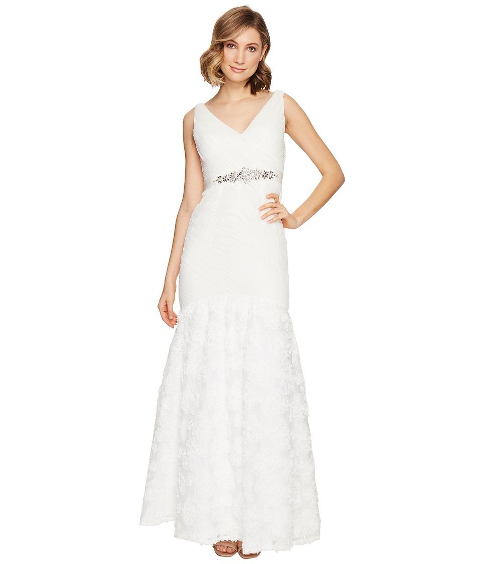 Adrianna Papell - Sleeveless Tulle Chiffon Petal Gown (Ivory) Women's Dress