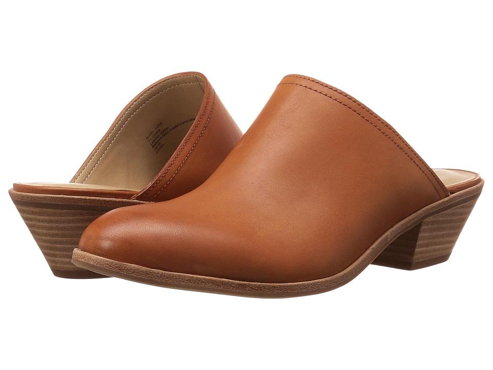 G.H. Bass & Co. Nikki (Cognac Leather) Women