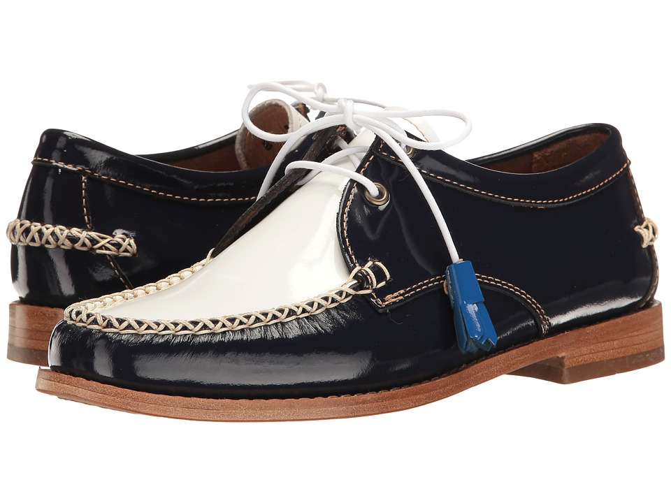G.H. Bass & Co. - Winnie Weejuns (Navy/White Patent Leather) Women's Shoes