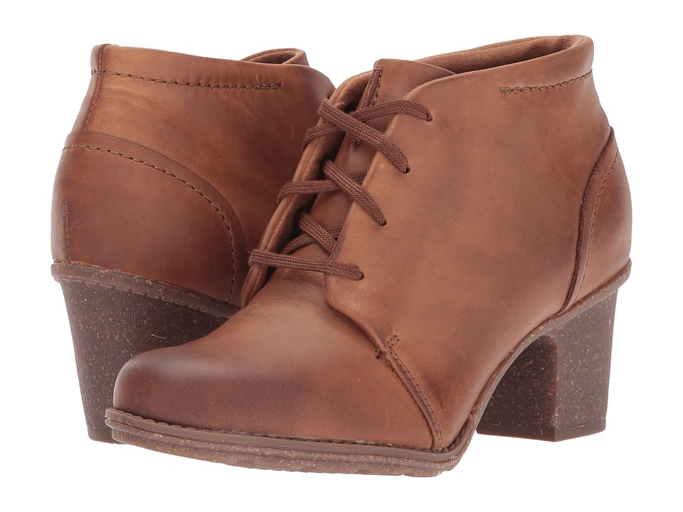 Clarks Sashlin Sue (Tan Oily) Women