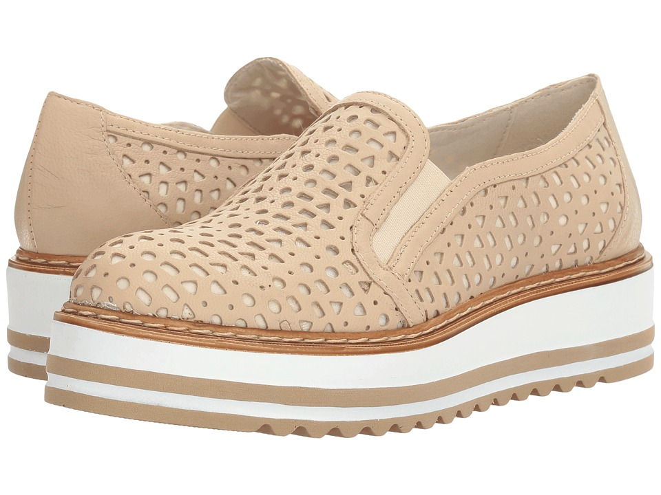 Summit by White Mountain - Braxton (Sand Leather) Women's Slip on Shoes