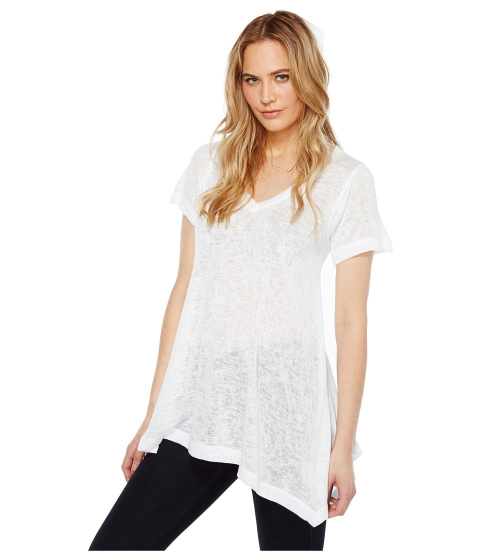 Nally & Millie - Short Sleeve V-Neck Sharkbite Tunic (White) Women's Short Sleeve Pullover