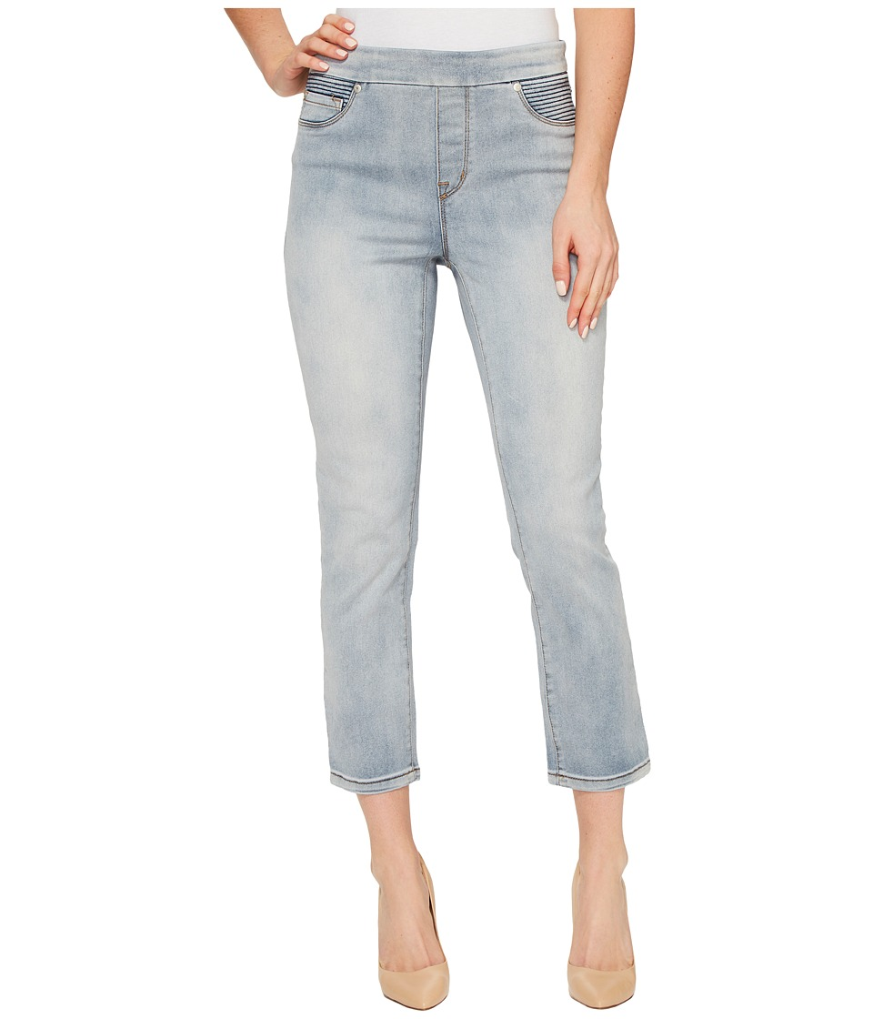 Tribal Pull-On 25 Dream Jeans Capris in Bleach Wash (Bleach Wash) Women