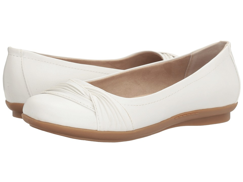 White Mountain - Hilt (White) Women's Shoes