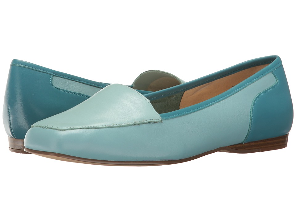 Bandolino - Liberty (Misty Morning Blue Leather) Women's Slip on Shoes