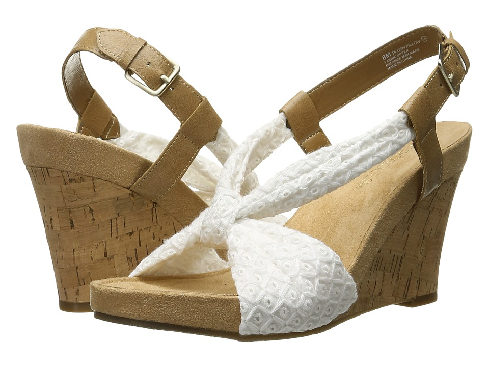 A2 by Aerosoles - Plush Pillow (White Fabric) Women's Wedge Shoes