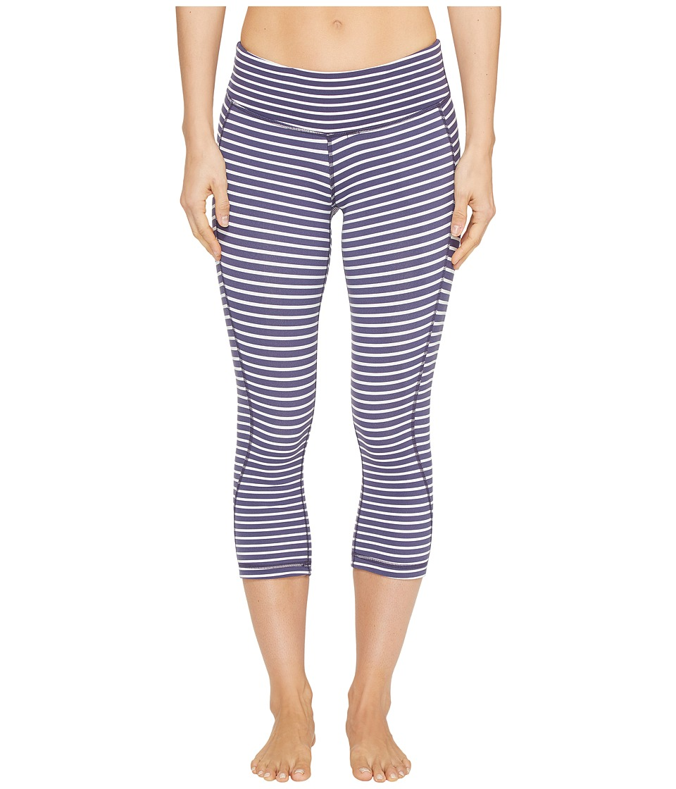 New Balance - Fitted Print Capris (Navy/Pearl Stripe) Women's Capri