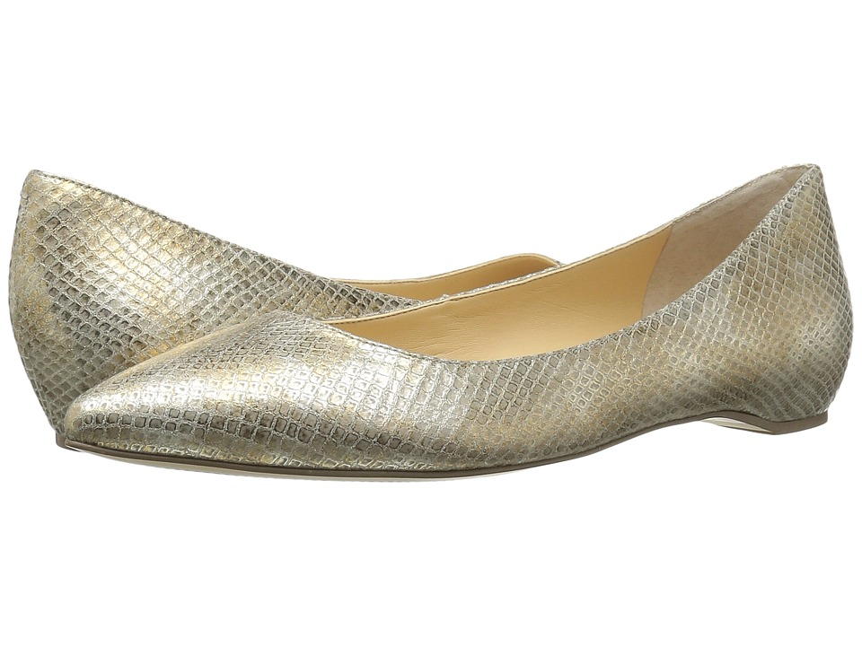 Ivanka Trump Chic 4 White Leather Shoes