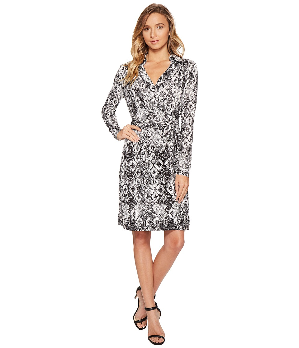 ROMEO & JULIET COUTURE - Pattern Wrap Dress (Black/White Combo) Women's Dress