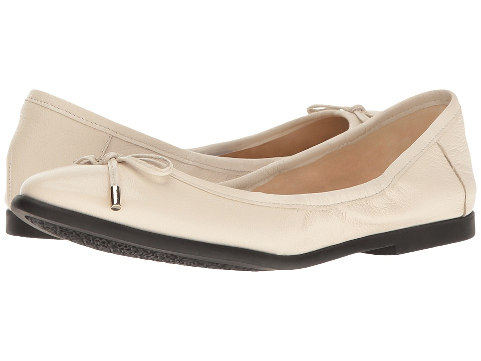 Nine West Quinney Off-White Leather Shoes