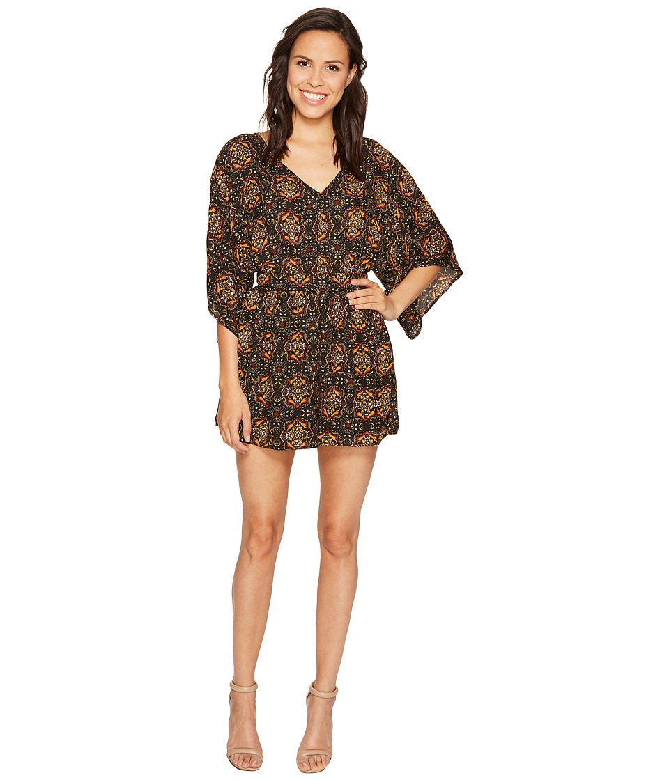 ROMEO & JULIET COUTURE - Woven V-Neck Printed Dress (Black) Women's Jumpsuit & Rompers One Piece