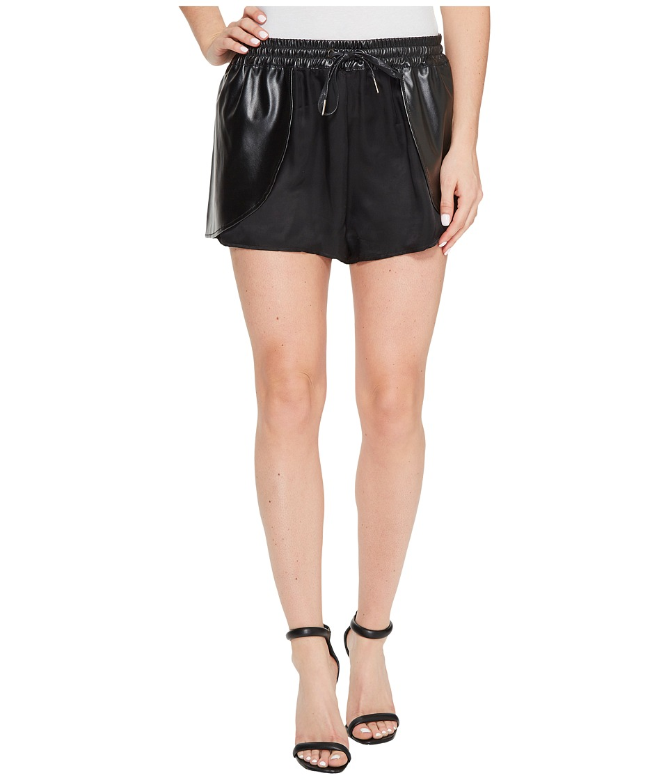 Blank NYC - 14T-8251 in Hugs and Kisses (Hugs and Kisses) Women's Skort
