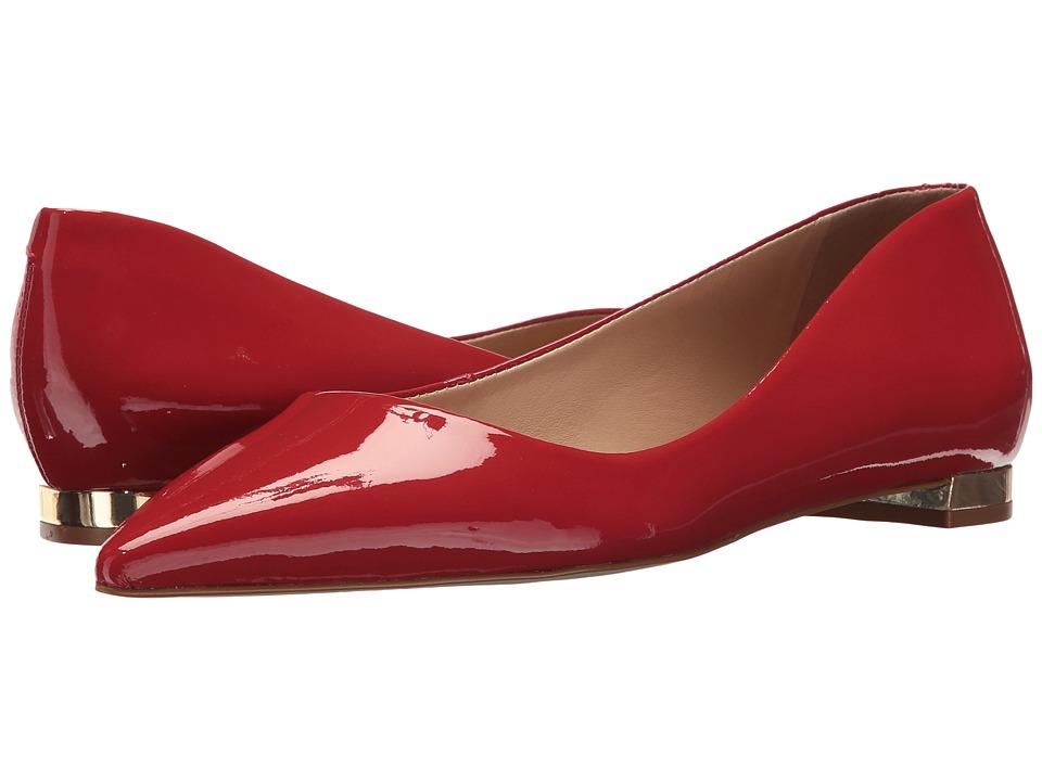 Massimo Matteo Pointy Toe Flat 17 (Rojo Patent) Women