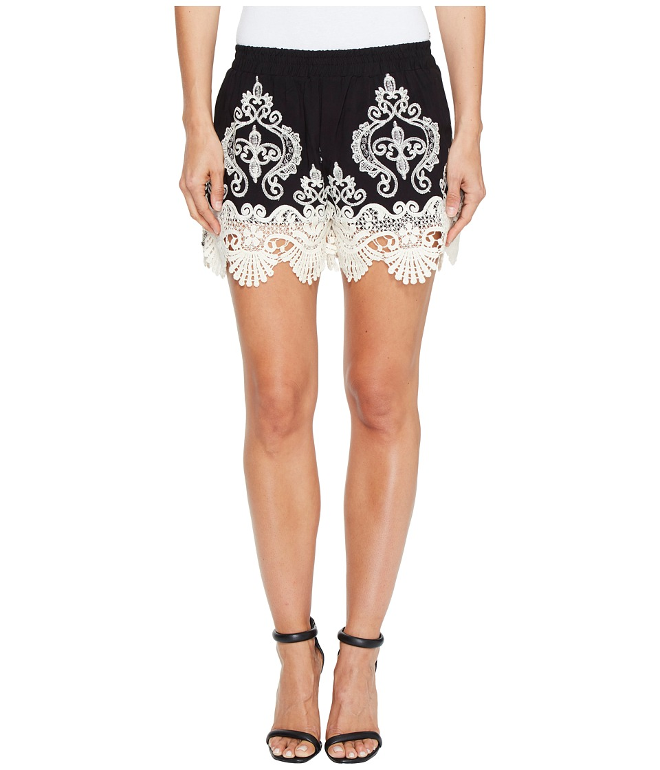 ROMEO & JULIET COUTURE - Lace Trim Shorts (Black/White) Women's Shorts